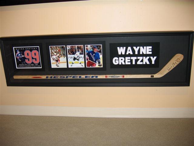 wayne gretsky framed hockey stick