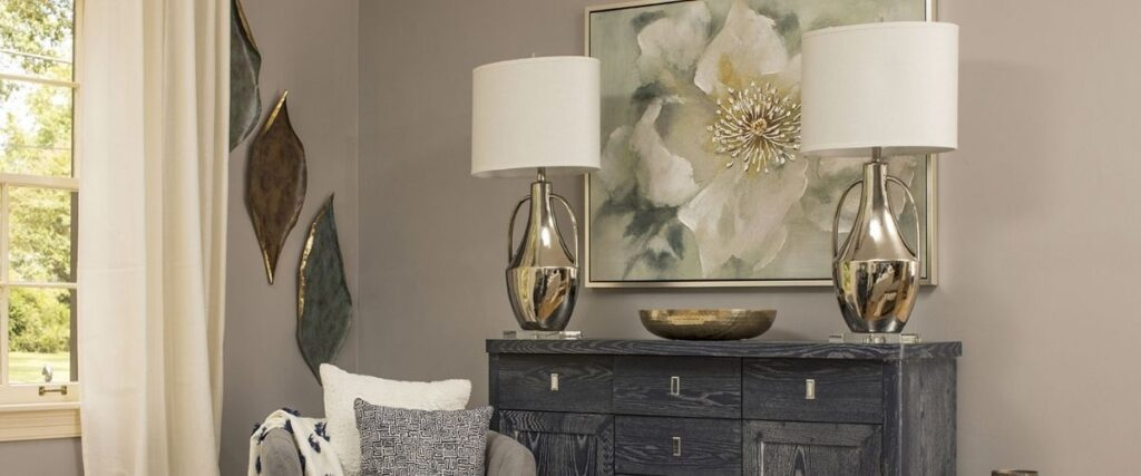 choose the right lamp for your sideboard